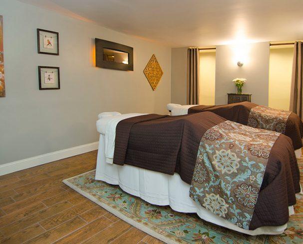 West Virginia Spa Resort Couples massage room