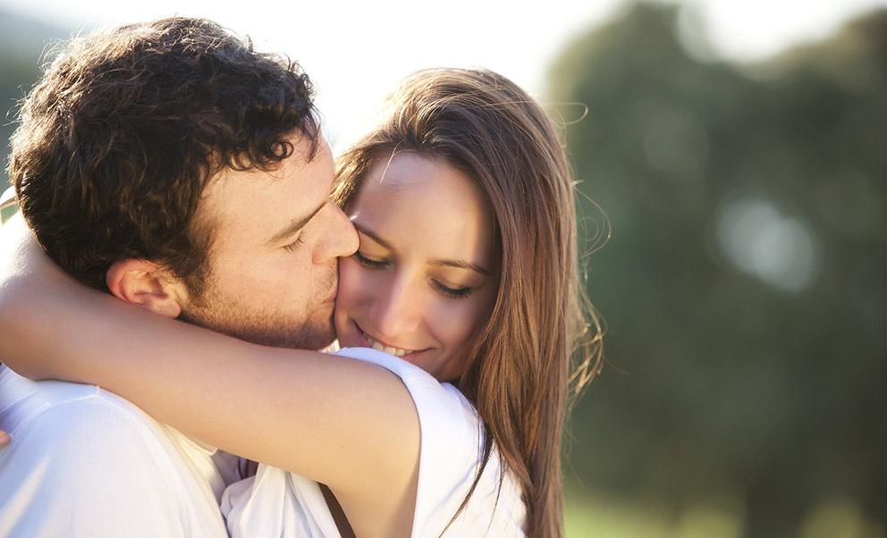 Romantic proposals in West Virginia couple celebrating
