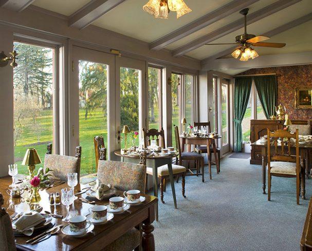 West Virginia Bed and Breakfast breakfast room overlooking the gardens