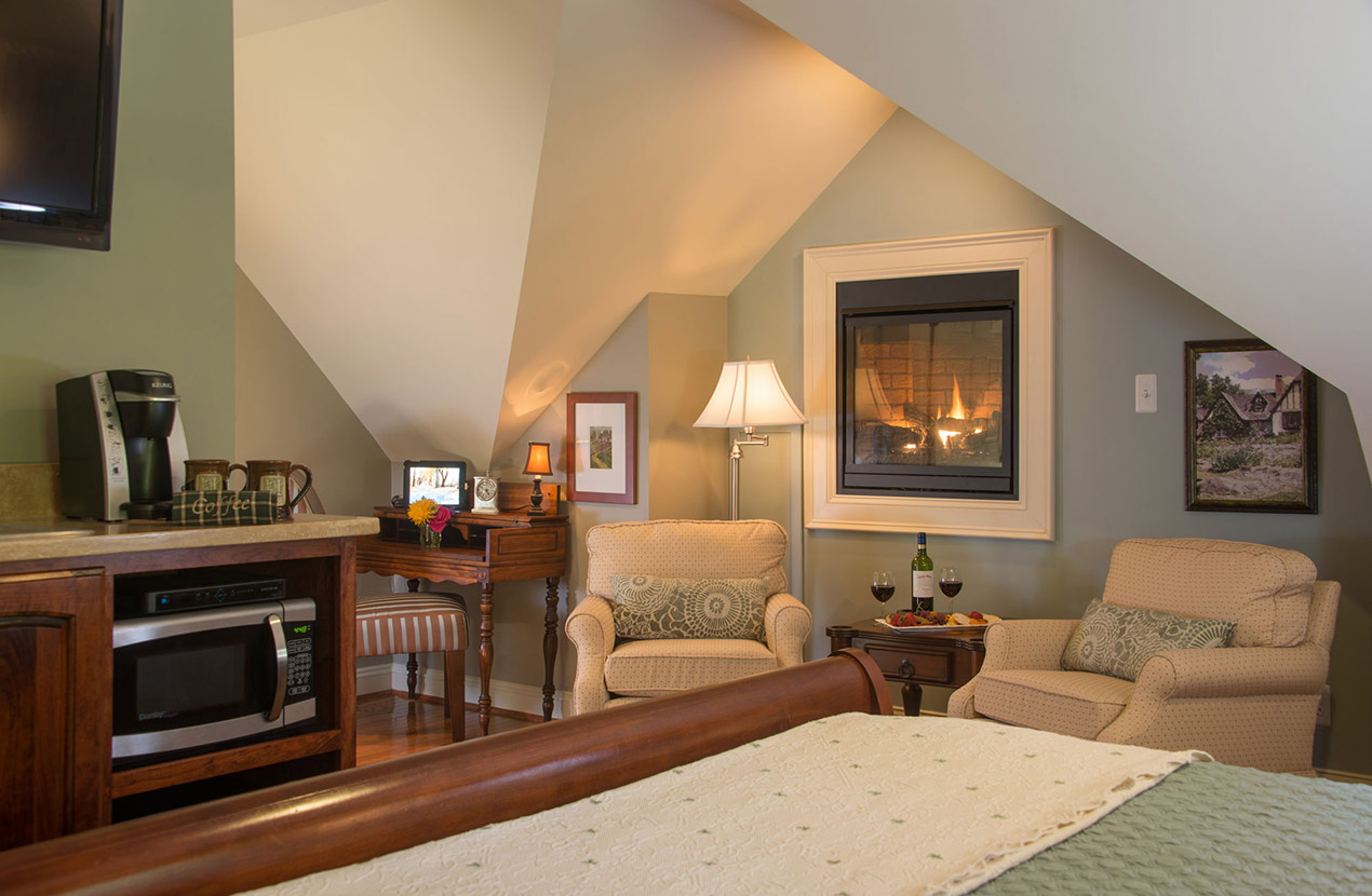 Luxury suite at our Charles Town Inn