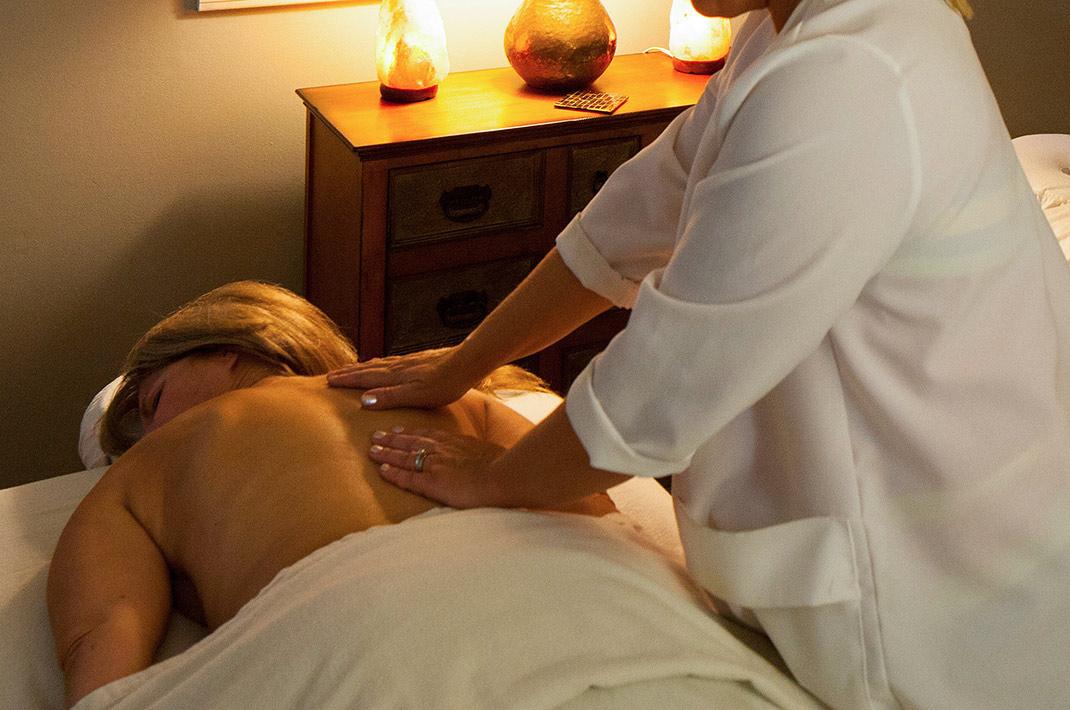 Candlelight back massage