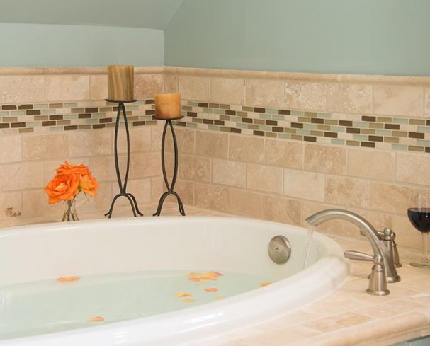 Updated baths and spa tubs in our rooms at our Harpers Ferry bed and breakfast