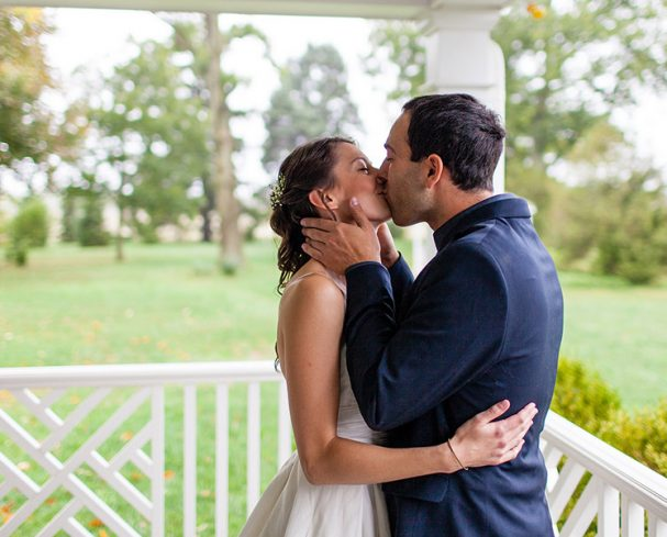 Bride and groom kissing at a West Virginia Wedding Venue