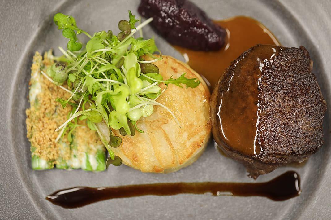 Gourmet dining at the Hillbrook Inn